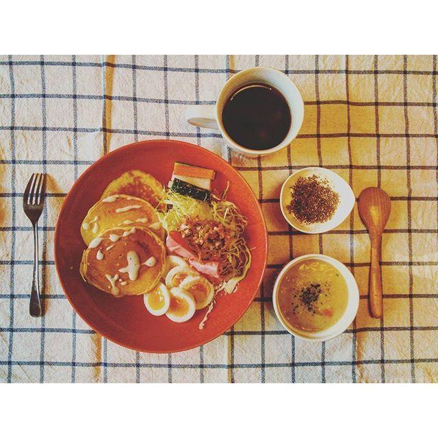 mimimimimi_32016.2.27 #朝ごはん 残り物とコストコのパンケーキミックスで作ったおかず系パンケーキ #おはよう #朝食 #献立 #おうちごはん #パンケーキ #シチュー #ピクルス #ケフィア #チアシード #コーヒー #ikea #コストコ #goodmorning #breakfast #pancakes #delicious #instafood