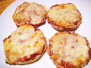 ... pizzas my dad used to always make on english muffins. i MUST make