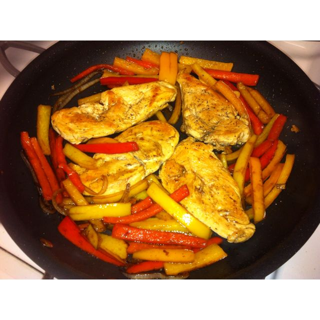 Diabetic meal: balsamic chicken and peppers