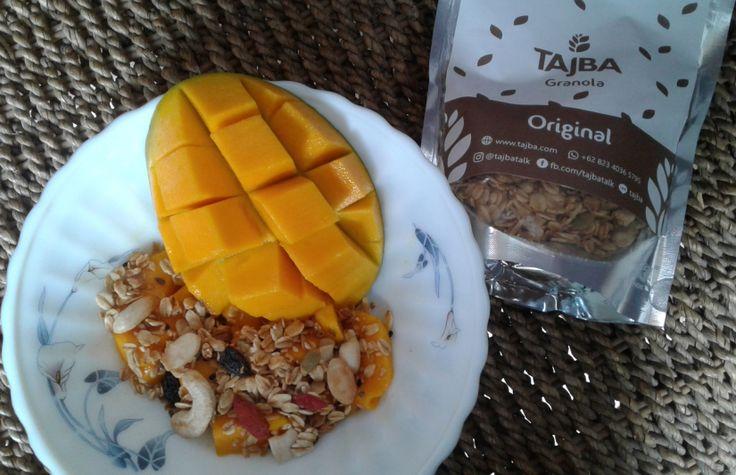 Sarapan Sehat dengan Tajba Granola Original dan Buah Mangga  Looking after my health today gives me a better hope for tomorrow.  Anne Wilson Schaef  (Menjaga kesehatan saya hari ini memberi saya harapan yang lebih baik untuk hari esok.)  So..yuk awali hari ini dengan mengkonsumsi makanan sehat. Granola Original dari Tajba dan buah mangga segar..  Tagged: granola granola original healthy food mangga mango sarapan sarapan sehat sehat tajba…