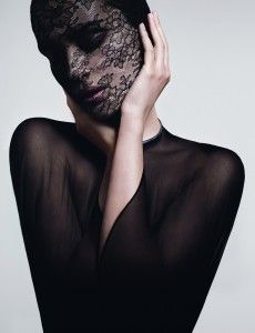 "Givenchy: le soin noir masque dentelle, un anti-âge ""haute couture"" so chic - Fashion Spider - Fashion Spider – Mode, Haute Couture, Fashion Week & Night Show"