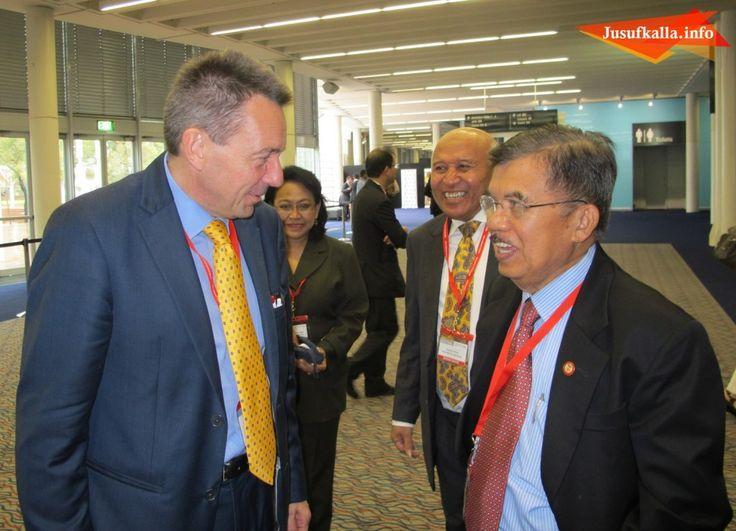 Jusuf Kalla Berhasil Satukan PMI dan ICRC Bantu Korban Topan Haiyan | Jusuf Kalla