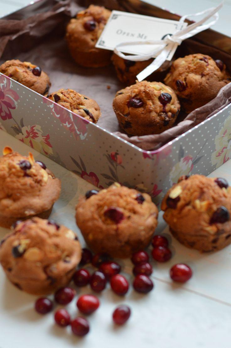 Cranberry and white chocolate muffins www.stemandginger.co.uk
