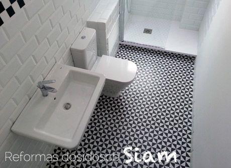 Reforma de un ba o en blanco y negro con estilo vintage for Pintar suelo ceramico