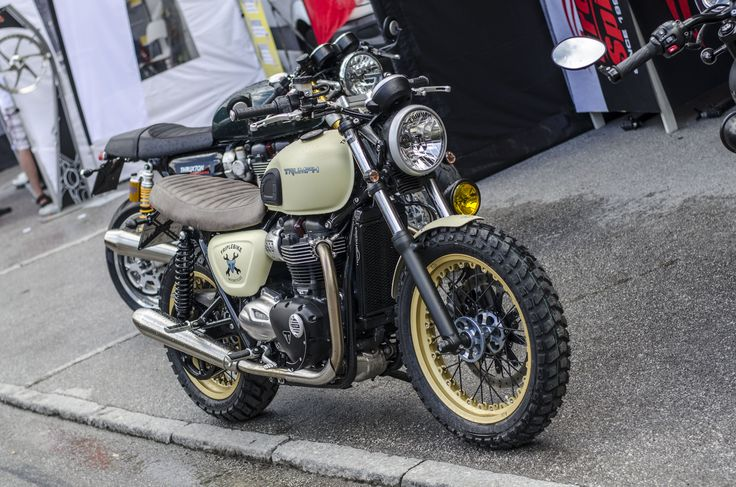 This is the new Triumph Bonneville Street Twin by Triplebike Srl with Free Spirits support presented at Tridays 2016 www.tridays.com #freespirits #triumph #triumphparts #streettwin #streettwincustom #streettwinumbau #triumphstreetwin #triplebike #tridays #tridays2016 #triumphtridays