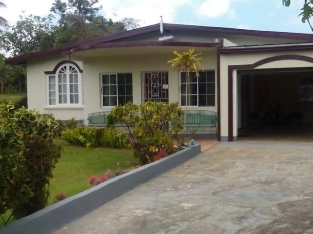 Price Reduced A Tasteful 3 Bedroom House Close Proximity To The Town Of Mandeville Biznizout Com Cheap Houses For Sale Jamaica House 3 Bedroom House