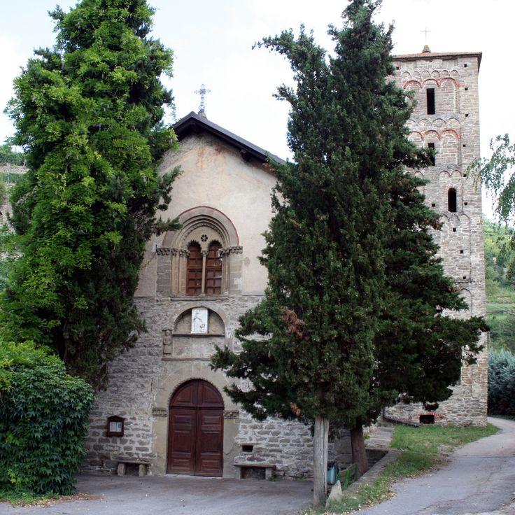 Pieve di Santa Maria a Cortemilia (Cn)   Scopri di più nella sezione Pievi del portale #cittaecattedrali