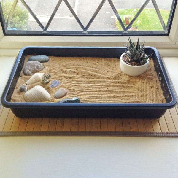 les 25 meilleures id es de la cat gorie jardin zen miniature sur pinterest jardins de f es. Black Bedroom Furniture Sets. Home Design Ideas