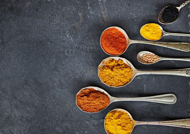 Komijn is een van de kruiden en specerijen die je kunnen helpen om sneller vet te verbranden.