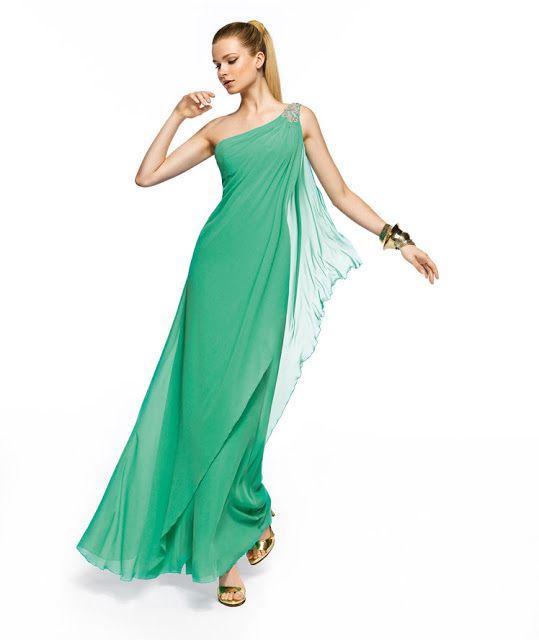 Una novia diferente: Vestidos griegos Pronovias Fiesta 2013