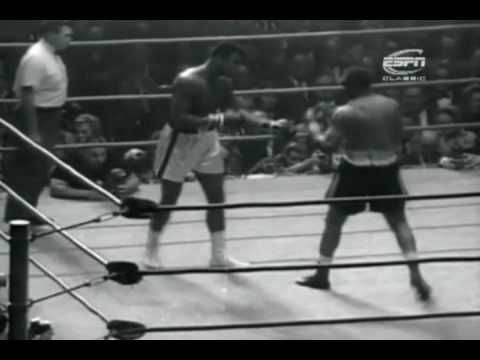 Cassius Clay vs Archie Moore - November 15, 1962 - YouTube