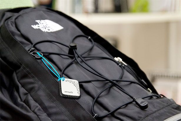 Tuvie | http://www.tuvie.com  Clip de sensores de Sensbloks a Senspod, usted puede reemplazar los sensores para satisfacer sus necesidades, pero los primeros liberación sería sensores para medir la calidad del aire y el índice UV. En un futuro próximo, la empresa se compromete a liberar varias otras versiones.