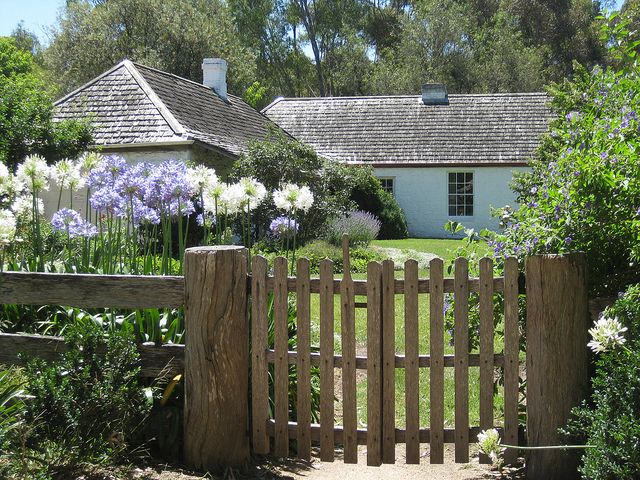 Emu Bottom Homestead, Sunbury. The story of Emu Bottom began on August 30, 1835, when the schooner Enterprise sailed up Port Phillip Bay. On board was the first party of settlers who built the huts on the banks of the Yarra from which the City of Melbourne then grew. Among that group was George Evans, who after exploring the area, chose to settle 40kms from the where the city would eventually develop, in a picturesque valley. It was here, in 1836, that he built the handsome stone building…