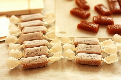 Oh I love caramels and I just love the vintage look of this whole post ...