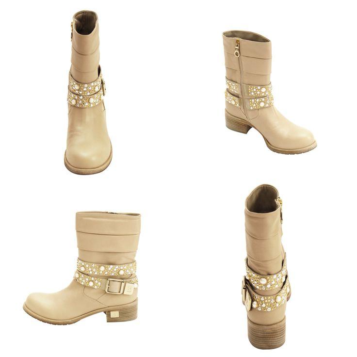 MARANO FABIANI collection. www.fiera-italia.com.   Praha, Vaclavske namesti 28.   Pasáž U STYBLU. Fiera Italia.    Shoes boutique.