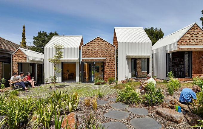 5osA: [오사] :: *박공 하우스 타운 [ Andrew Maynard and Mark Austin ] Clever House Resembles an Entire Village