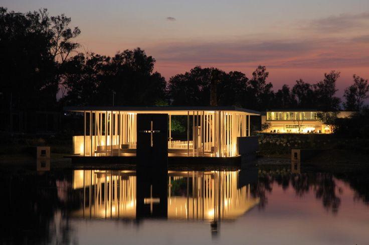 Capilla del Lago / Divece Arquitectos
