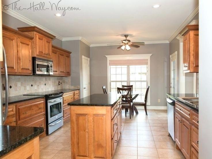 Kitchen Paint Ideas With Light Cabinets Oak Kitchen Cabinets Kitchen Wall Colors Honey Oak Cabinets