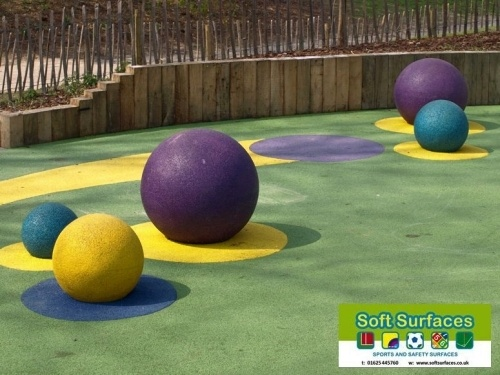 Play safe rubber epdm sbr wet pour playground safety surfacing floor specification