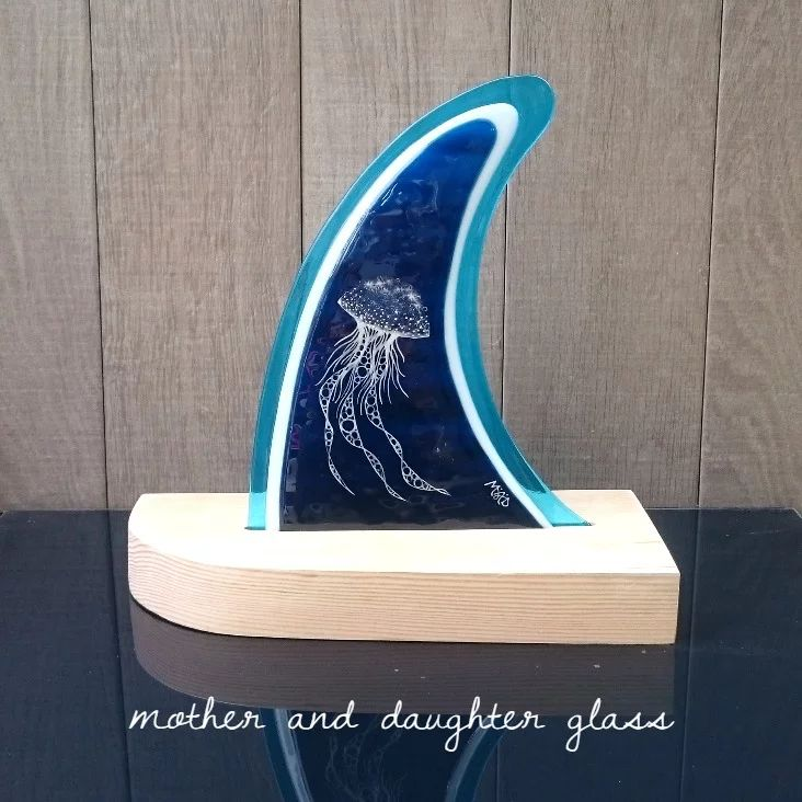 M&D Glass fused glass Jelly-fish fin
