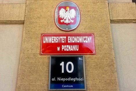 27 grudnia 2008 r. Uczelnia otrzymała formalnie status uniwersytetu i swoją ostateczną nazwę – Uniwersytet Ekonomiczny w Poznaniu.
