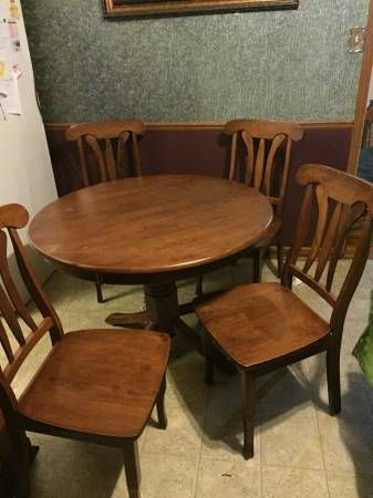 Dinnete Set (four Chairs, Round Table)   $125 (Brownsville)