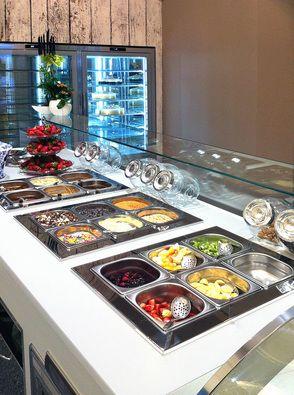 Ad esempio il banco refrigerato destinato a contenere i frutti per la decorazione delle coppe deve essere possibilmente a stretto contatto con le vetrine gelato ... PER CONTINUARE A LEGGERE DAI CLIK DUE VOLTE ALL'IMMAGINE