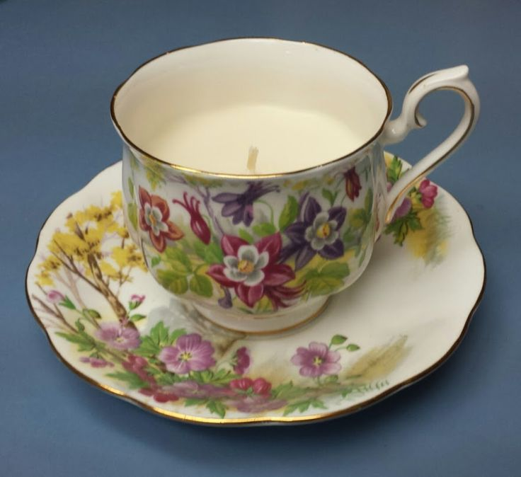 Vanilla Cookie Scented Soy Candle in a Vintage Bone China Tea Cup #kjcreations #diy #crafts #homedecor #shabbychic #farmhousechic #vintage #upcycled #bonechina #teacup