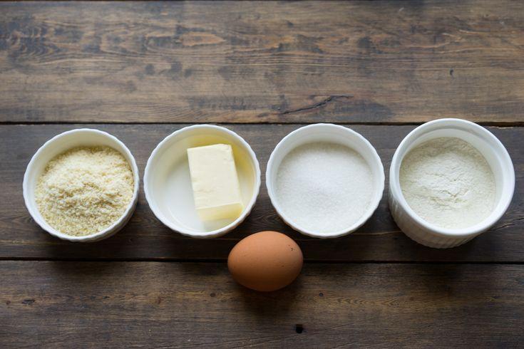 Рассыпчатое песочное печенье с клубникой и кремом, пошаговый рецепт с фото, блог andychef.ru