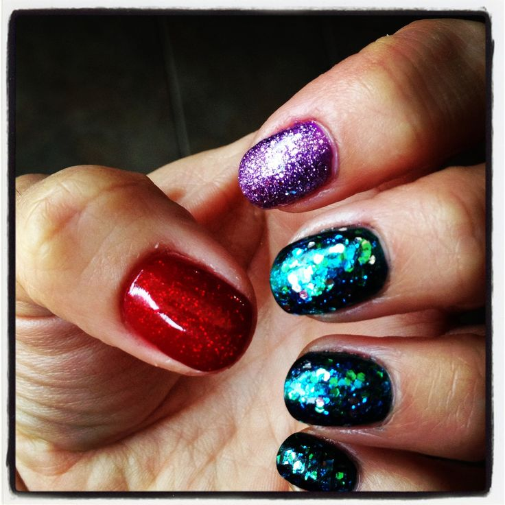 Ariel nails..simple..representation..year with just colors