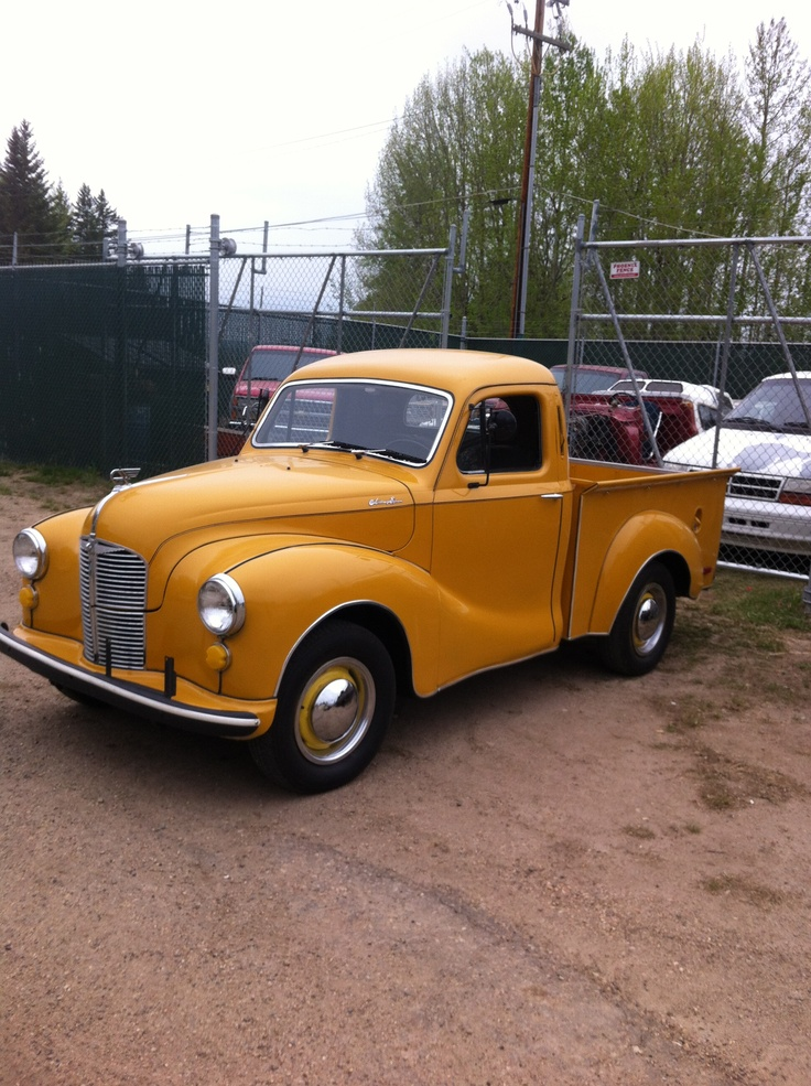 1942 old truck! Restored! Very cool:) | Vintage Trucks ...