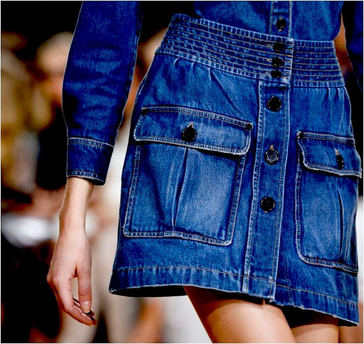 Gonne di jeans, pratiche e versatili per l'estate