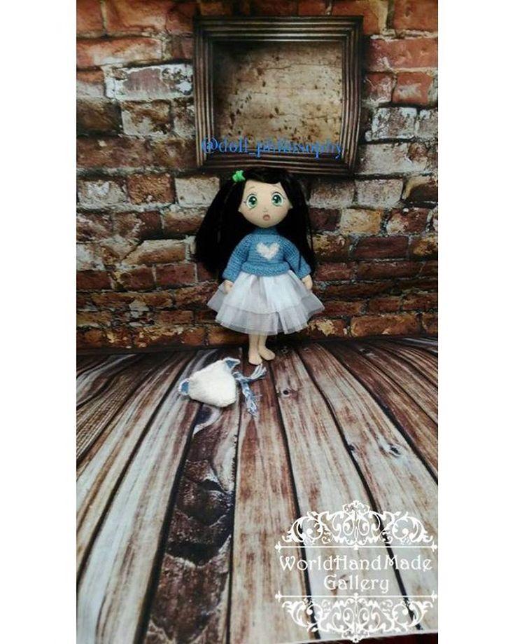 SALE! SALE! SALE Hand-Made ⤵️ https://www.facebook.com/groups/world.hand.made.gallery/ ____________________________ Украина Киев Куколки текстильные. Грунтованные. 23 см роста. Одежда вся съемная. Волосы можно расчёсывать и заплетать. Руки-ноги двигаются. Куколки идут в брендовых коробочках с искусственным сеном внутри и кукольными паспортами. ____________________________ Ukraine Kiev Dolls textile and primed. 23 cm in height. All clothes are removable. Doll can do hairsty...