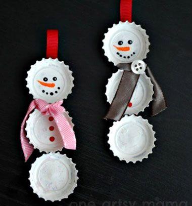Snowman Christmas ornaments // Hóemberes karácsonyfadísz sörös kupakokból // Mindy - craft & DIY tutorial collection