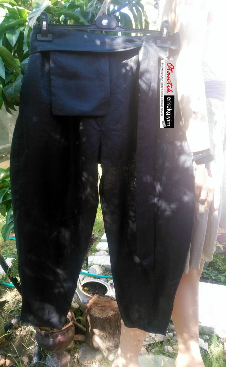 Tasarım Siyah Keten Unisex Havuç Pantolon - HP110517-1 | Otantik Erkek Giyim #Tasarım #Siyah #Keten #Unisex #Havuç #Pantolon – HP110517-1  Kişiye özel tasarım  Katen  Bel çantali  5 parçadan oluşuyor  FİYAT: 160TL  HER HAKKI SAKLIDIR. İZİNSİZ  OLARAK KULLANILAMAZ, KOPYALANAMAZ. YASAL YOLLAR AÇIKTIR