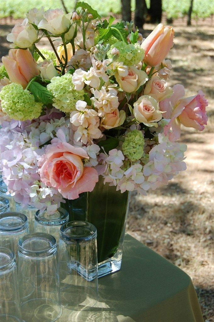 Lavender Floral Bouquet Photo Gallery Country Garden Flowers Napa And Sonoma County Wedding Florist Country Garden Flowers Flower Garden Wedding Florist