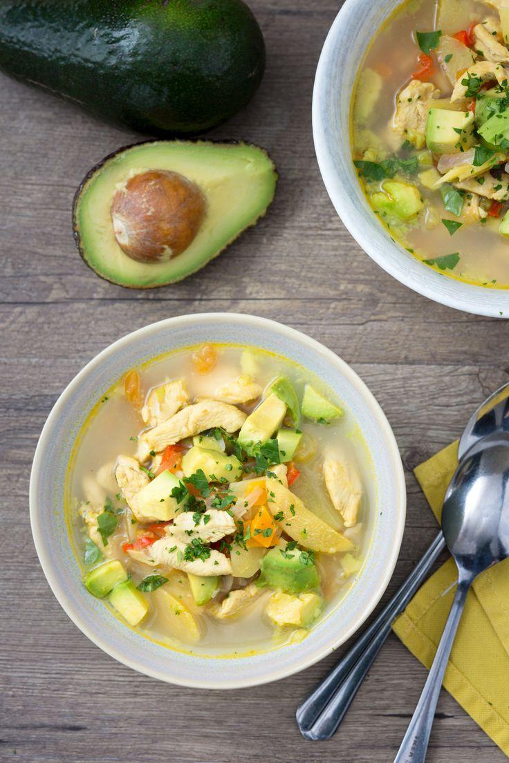 Zuppa di pollo e avocado: gusti esotici per un pranzo che profuma d'estate!  [Avocado and chicken soup]