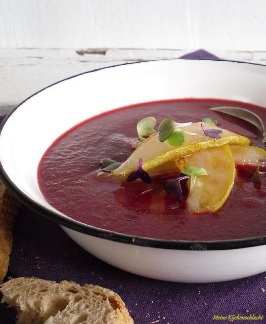 Rote Beete - Birnen- Suppe mit karamellisierten Birnenspalten