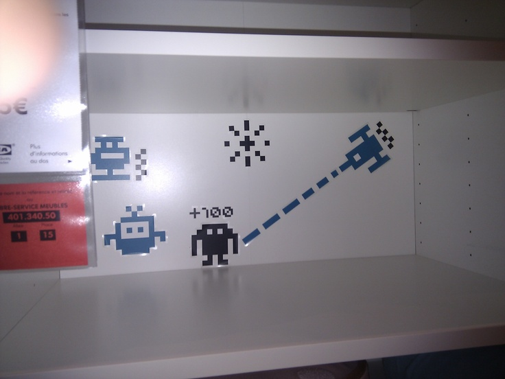 Stickers Space Invaders chez IKEA Tourville la Rivière