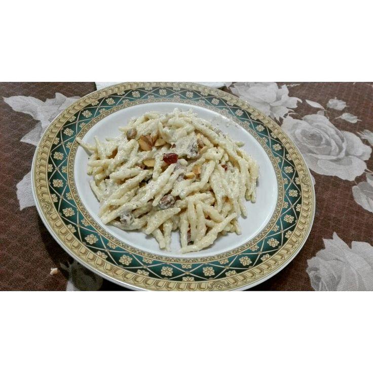trofie con crema di pistacchi e speck    per chi è interessato alla ricetta contattate.