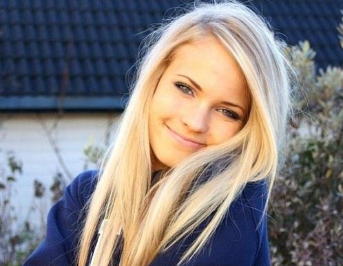 Random Blonde 70
