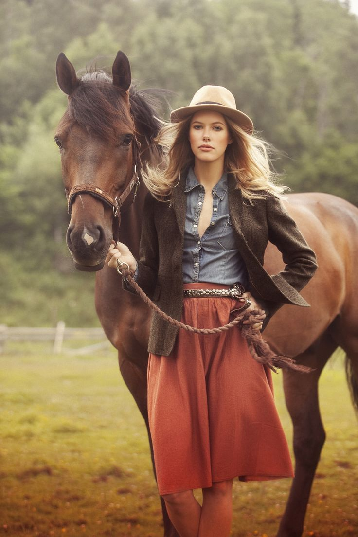 This is a great shot. Love her clothing! #country #fashion #westernstyle