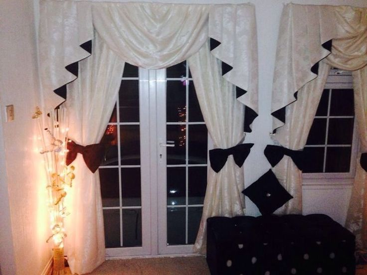 DESIGNER CURTAINS 1 SWAGS AND TAILS IVORY And Black Incl Large Bow Tiebacks
