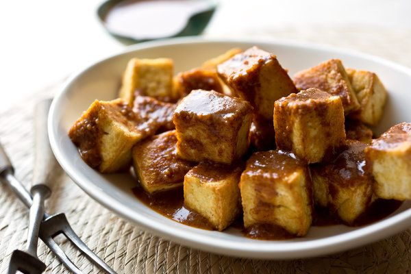 Tofu With Peanut-Ginger Sauce — Recipes for Health - NYTimes.com