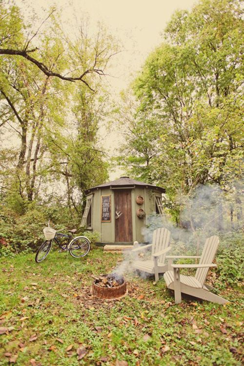 i think it'd be amazing to have enough land that you could build a small cabin in the trees somewhere, to have a mini retreat whenever the mood struck.. i dunno. i like the idea.