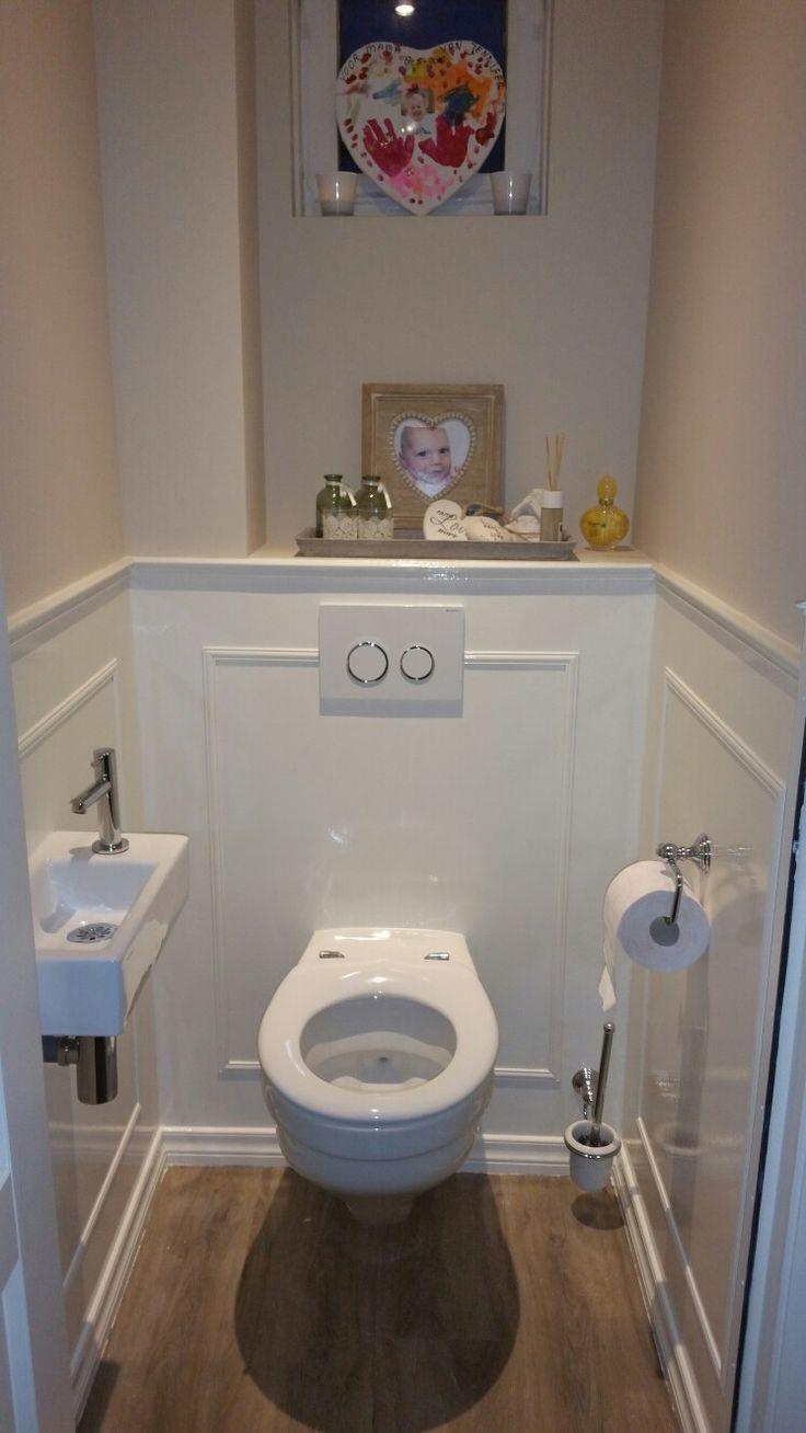 Landelijk toilet lambrisering