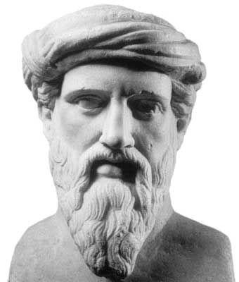 Pitágoras (580 a. C. – ca. 495 a. C.) fue un filósofo y matemático griego considerado el primer matemático puro. Contribuyó de manera significativa en el avance de la matemática helénica, la geometría y la aritmética, derivadas particularmente de las relaciones numéricas, y aplicadas por ejemplo a la teoría de pesos y medidas, a la teoría de la música o a la astronomía. No se conserva ningún escrito original de Pitágoras.