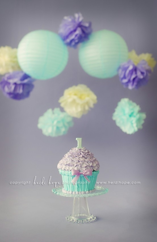 smash cakeGiants Cupcakes, Birthday Parties, Smash Cakes, Cake Smash, 1St Birthday, Giant Cupcakes, First Birthday, Pom Pom, Birthday Ideas