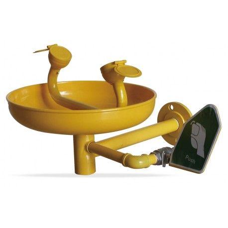 Sólo lavaojos a pared. Referencia  2388-L101/M Marca:  Marca PL  Características: Lavaojos con estructura de acero galvanizado, para ser usada en casos de salpicaduras de elementos nocivos a los ojos, en el que el agua produzca un efecto de arrastre de la sustancia nociva. Estructura en acero con tratamiento galvanizado y cubeta en ABS. Se activa manualmente mediante palanca o pedal. Alimentación mediante el agua potable de la red.