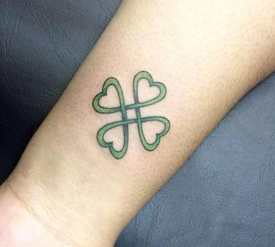 Татуировка клевер: значение, фото, эскизы